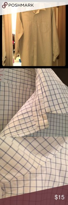 Men's Brooks Brothers 17 1/2 -4/5 Dress Shirt Men's Brooks Brothers 17 1/2 -4/5 Long Sleeve Dress Shirt. Worn a few times. Good condition! Extra pix show VERY slight discoloration. Brooks Brothers Shirts Dress Shirts