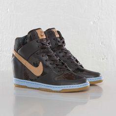 Nike Dunk Sky Hi Liberty