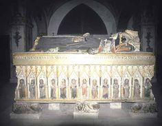 Túmulo da Rainha Santa Isabel, no Mosteiro de Santa Clara-a-Nova, Coimbra