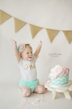Okinawa Child Photographer, Okinawa, Japan, Cake Smash Session, First Birthday, Pink and Mint, La La Noble Photography