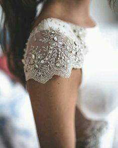 #details #hautecouture #luxury #embroidery #embroiderysequin #sequin #sequins #beads #crystals #need - matreshki.rf