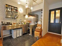 『イエナカ手帖』に投稿されたhayamiさんの記事 - キッチン『タイトル:ステンレスアイテムで揃えたキッチンスペース』です。家の中(イエナカ)の知識や工夫を共有して、イエナカの暮らしをもっと楽しもう!