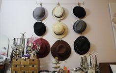 Best DIY Coat & Hat Rack Ideas For Sweet Home Coat hanger, Wood pallets and Diy hat rack. Hanging Hats, Diy Hanging, Baseball Hat Racks, Cowboy Hat Rack, Coat And Hat Rack, Coat Hanger, Hat Organization, Organizing Hats, Shoes Organizer