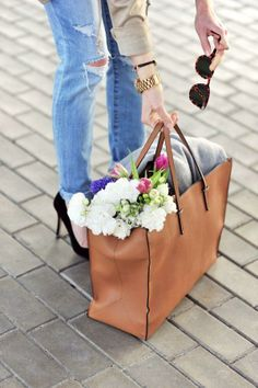 florals in tote