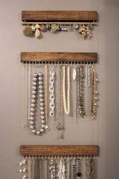 Diy Household Tips 350647520974477686 - idee rangement bijoux … Source by Closet Organization, Jewelry Organization, Organization Ideas, Ideas For Jewelry Storage, Diy Jewelry Organizer Wall, Hanging Organizer, Diy Jewelry Wall Display, Ring Organizer, Wooden Organizer
