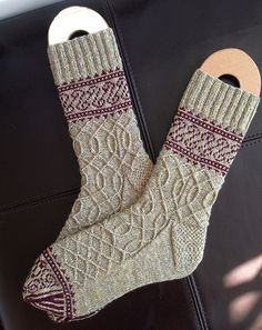 Daily Knit Pattern: Eisern Socks - free pattern