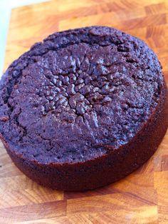 Nyt se löytyi! Nimittäin niin ihana suklaakakkupohja, ettei tosikaan! Ihanan suklainen, kostea, mehevä, pehmeä, ja kaikkea mitä voi suklaaka... 5 Star Recipe, Baking Recipes, Frosting, Cake Decorating, Sweet Treats, Cheesecake, Food And Drink, Birthdays, Sweets