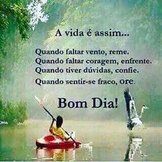 A vida é simples Peace Love And Understanding, Verse, Peace And Love, Outdoor Power Equipment, Good Morning, Psychology, Life Quotes, Faith, Messages