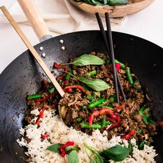 Spicy beef with rice and veggies! Spicy lean beef mince with rice and veggies! Healthy Beef Recipes, Veal Recipes, Healthy Eating Tips, Ground Beef Recipes, Asian Recipes, Healthy Food, Healthy Meals, Clean Eating, Minced Meat Recipe