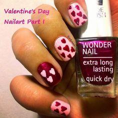 Mein erstes Design einer geplanten Trilogie und mein erster Versuch von Freihandherzen. Ich nenne sie Herzchen-Wölkchen, das krakelige muss so sein, alles klar?? ;) Hoffe die anderen Designs werden vorzeigbar.  #tjakasasnails #beauty #nails #notd #nagellack #isadora #pink #valentinsday #nailart #nailpolish