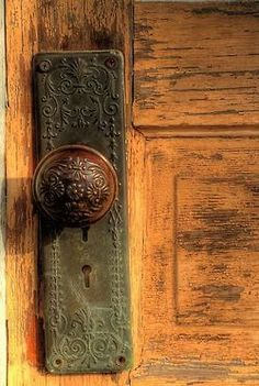 Cabin & Cottage iron door knob
