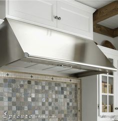 """Dacor EH3018SCH Wall Mount Canopy Range Hood with Internal Blower, 4 Speed Control, Blue LED Indicator, Auto-Start and 18"""" Height: 30-Inches, 600 CFM Blower"""