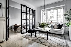 Elegant Scandinavian Interior Design Decor Ideas For Small Spaces 20 Studio Decor, Deco Studio, Living Room Scandinavian, Scandinavian Interior Design, Scandinavian Living, Small Apartments, Small Spaces, Home Decor Bedroom, Living Room Decor