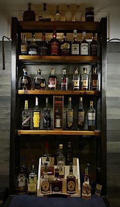 Discover recipes, home ideas, style inspiration and other ideas to try. Whiskey Or Whisky, Whiskey Room, Whiskey Quotes, Whiskey Brands, Whiskey Gifts, Whiskey Glasses, Whiskey Cocktails, Whiskey Bottle, Home Cocktail Bar