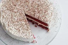 Red Velvet Week – Red Velvet Cheesecake Cake  