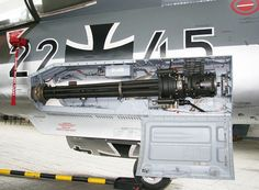 Instalación del cañón M61 Vulcan en un F-104G alemán.