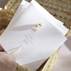 Wedding Invitation Card Design, Wedding Invitations, Minimalist Invitation, Envelopes, Olive Wedding, Wedding Calligraphy, Arte Floral, Table Cards, Wedding Cards