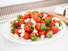 Tomaatti-mozzarella-basilikatikut