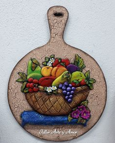 Taller Arte y Amor Clay Wall Art, Clay Art, Polymer Clay Crafts, Diy Clay, Cottage Art, Decoupage Art, Kitchen Decor Themes, Seashell Crafts, Mural Art
