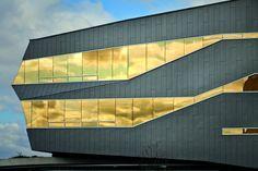 The Stephen Hawking Centre, Perimeter II, Ontario (Canada) by Teeple Architects Inc. #QuartzZinc #QUARTZZINC #Zinc #VMZINC #Canada #Church #Facade