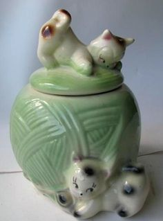 Vintage american Bisque Cookie Jar in green - kittens w/ball of yarn