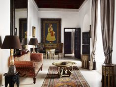 "lunchlatte: ""L'Hôtel Marrakech, the Casablanca suite, designer Jasper Conran's riad in Marrakech, Morocco "" Casablanca, Riads In Marrakech, Marrakech Morocco, Antique Living Rooms, Jasper Conran, Tadelakt, Moroccan Design, Higher Design, Beautiful Interiors"