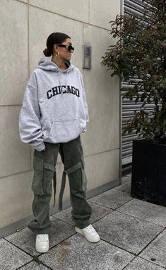 Fashion Mode, Tomboy Fashion, Teen Fashion Outfits, Dope Outfits, Retro Outfits, Cute Casual Outfits, Streetwear Fashion, Stylish Outfits, Photographie Indie
