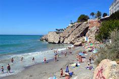 Playa de Carabeo à Nerja, Costa del Sol (Espagne) http://www.actuweek.com/go/amazon-espagne.php