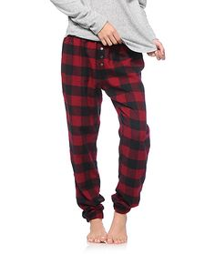 Cozy up in unmatchable comfort and style with these ultra soft-feel flannel pants made with a relaxed fit and a blackberry plaid pattern throughout.