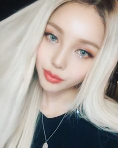 구냥😕➰ Asian Make Up, Korean Make Up, Cute Korean Girl, Korean Beauty, Asian Beauty, Park Hye Min, Pony Korean, Pony Makeup, Blonde Asian