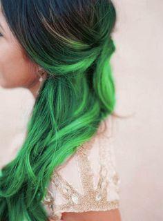 #Hairstyle color - lunghezze verde acceso. Capelli verdi