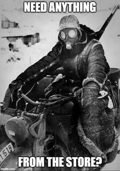 Generally don't post WWII stuff, but too interesting not to: German soldier riding a motorcycle in the snow of the Eastern Front. The temperature could have been as low as minus 40 °C, February 1942 Funny Shit, Stupid Funny Memes, Funny Relatable Memes, The Funny, Hilarious, Funny Stuff, Motos Retro, German Soldier, German Army