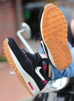 758082c586cc5 Nike WMNS Air Max 1 Print Black Sail Pink Force 528898-004