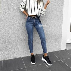 """4,761 Me gusta, 42 comentarios - WOMAN'S FASHION (@classy_styleee) en Instagram: """"Daily casual look, love it? #comment . Follow @classy_styleee . . . #dailyinspiration…"""""""