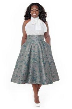 Платье с завышенной талией для полных с открытыми плечами