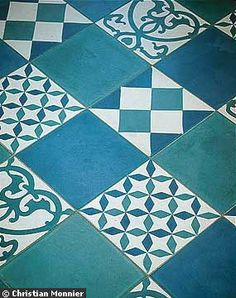 carreau ciment on pinterest cement tiles mosaics and murals. Black Bedroom Furniture Sets. Home Design Ideas