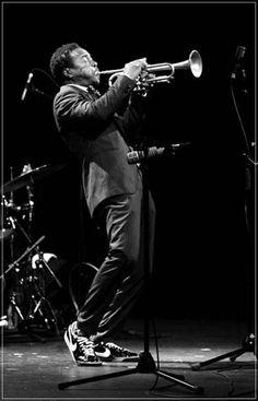 Roy Hargrove via swissjazz Jazz Artists, Jazz Musicians, Romanticism Art, Jazz Trumpet, Jazz Lounge, Jazz Players, Contemporary Jazz, All That Jazz, Smooth Jazz