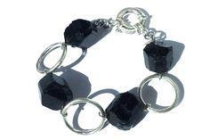 Bracelet artisanal 925/000 argent et noir tourmaline par agaugioielli sur Etsy https://www.etsy.com/fr/listing/253789971/bracelet-artisanal-925000-argent-et-noir