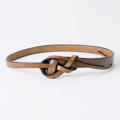 Wide to Thin Leather Strap Bracelet Leather Art, Leather Design, Leather Cuffs, Leather Belts, Leather Jewelry, Brown Leather, Old Man Fashion, Mens Fashion, Leather Accessories