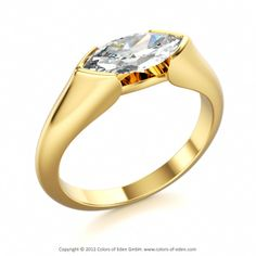 DRAGON EYE | Marquise Cut Solitaire Ring with Diamond vvs1/F in 18k Yellow Gold