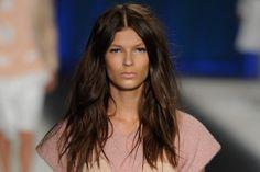 Desenfadado y natural, ¡despeina tu cabello! Tendencia 2013