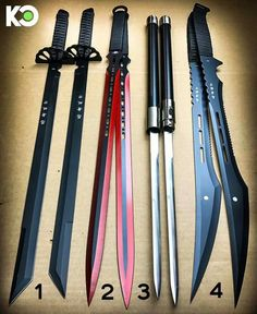 Choose your dual blade Pretty Knives, Cool Knives, Martial Arts Weapons, Weapons Guns, Anime Weapons, Fantasy Weapons, Swords And Daggers, Knives And Swords, Armes Futures