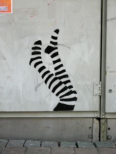 street art Graffiti Street Art - Street Art Leg stencil, Tampere by katutaide street art 3d Street Art, Amazing Street Art, Street Art Graffiti, Amazing Art, Banksy, Land Art, Silkscreen, Graffiti Artwork, Stencil Graffiti