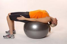 Estiramiento de abdominales con fitball