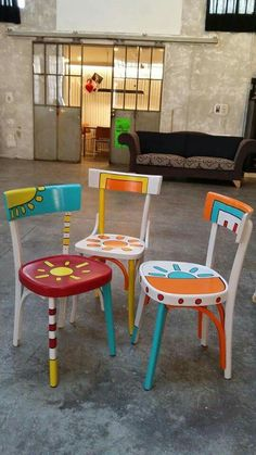 sedie in legno Emenricomarcato # # # enricomarcato sedieinlegno Most Successful Photo Albums In addition to the successful and beautiful p. Hand Painted Chairs, Whimsical Painted Furniture, Painted Stools, Hand Painted Furniture, Funky Furniture, Paint Furniture, Upcycled Furniture, Kids Furniture, Furniture Makeover