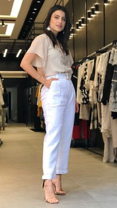 Hot Outfits, Stylish Outfits, White Fashion, Trendy Fashion, Linen Dress Pattern, Structured Fashion, Fashion Pants, Fashion Outfits, Looks Chic