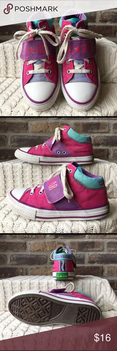 Converse Crayola all stars Youth size 1 Converse All-Stars. They have been worn and loved. Noticing pictures some slight staining they have been laundered. Converse Shoes Sneakers