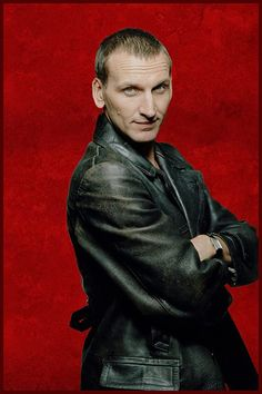 A re-edited portrait photo featuring Christopher Eccleston as Doctor Who, incorporating a combined HDR and anisotropic filter paint effect. Doctor Who: Anisotropic Filter Re-Edit Doctor Who Tv, Ninth Doctor, First Doctor, Dr Who, Christopher Eccleston, Serie Doctor, Bbc One, The Nines, Time Lords