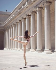 """littlemissballerinaunicorn: """" back to work 💪🏻😸 © sexy lil girl (at Legion of Honor Museum) """" Dance Photography Poses, Dance Poses, Ballet Body, Ballerina Body, Ballet Images, Shall We Dance, Dance Pictures, Dance Images, Learn To Dance"""