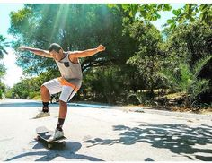 Instagram #skateboarding photo by @longvibemczz - Hoje foi o dia do nosso rider monstrinho das ladeiras @rodrigo_ferreiraa_ ! O tal bendito entre as mulheres da família Longvibe! Jaca parabéns pelo seu dia muitas alegrias e skate no pé! Amamos a sua parceria e a sua energia sempre esforçado em tudo o que faz e sempre colocando a Longvibe lá em cima! Nós te amamos! Ass: @_crissmelo @mayaratenorior @leticiamoreir_  #longvibemcz  #longboard #skateboard #longboarding #skateboarding #boardsports…